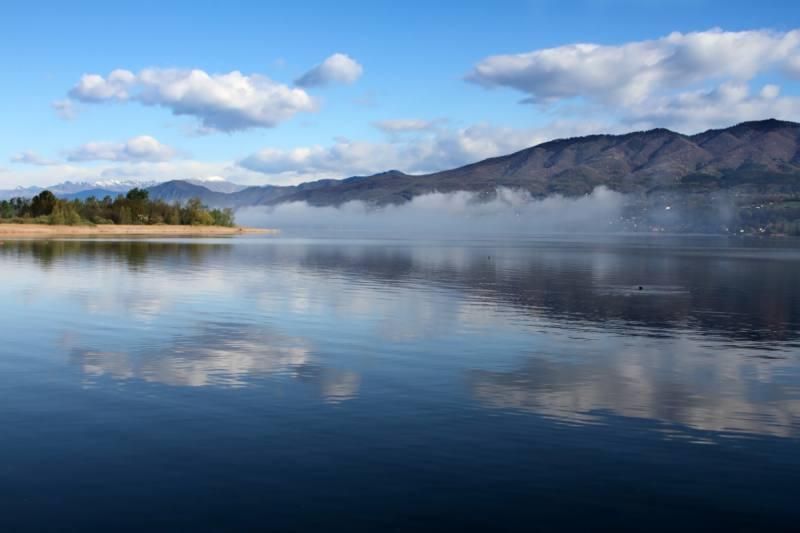 Foto lago di varese